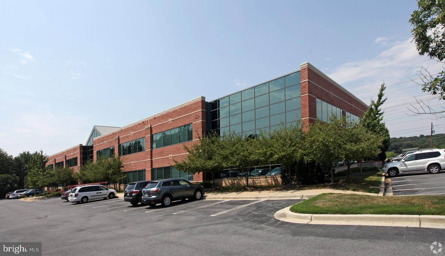 Commercial for Sale at Gaithersburg, Maryland, 20879 United States