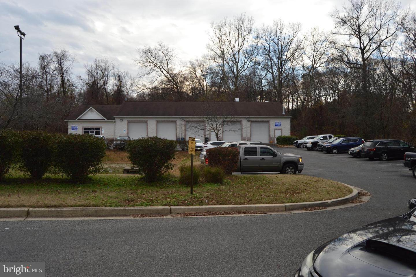 Commercial for Sale at Pasadena, Maryland, 21122 United States