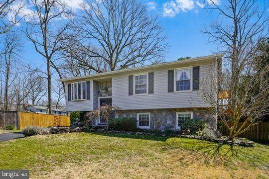 2. Single Family Homes om Pasadena, Maryland, 21122 Verenigde Staten
