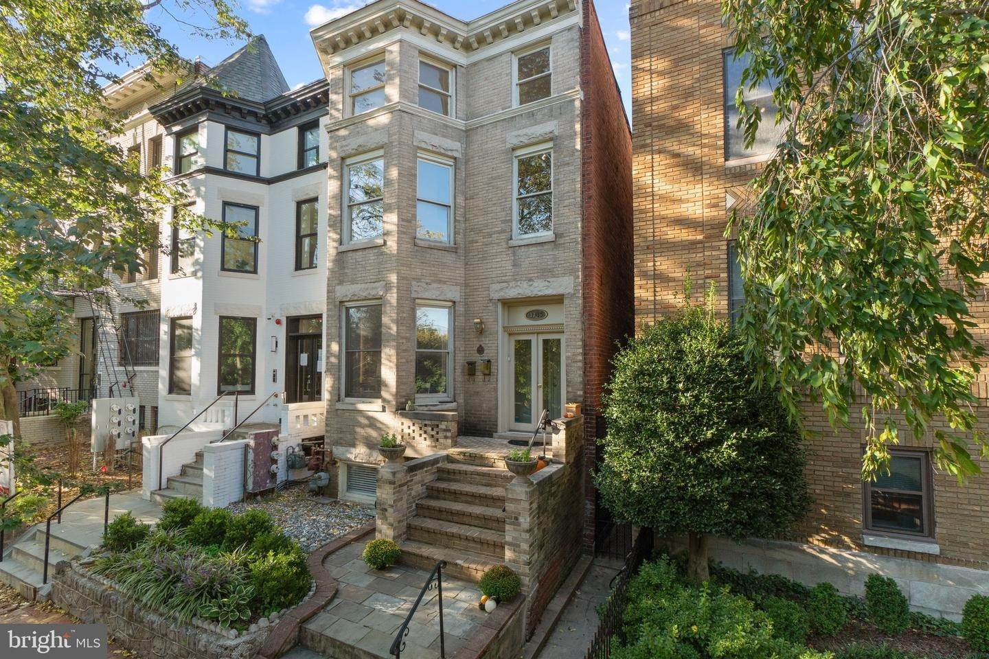 Multi-Family Homes for Sale at Dupont Circle, Washington, District Of Columbia, 20009 United States