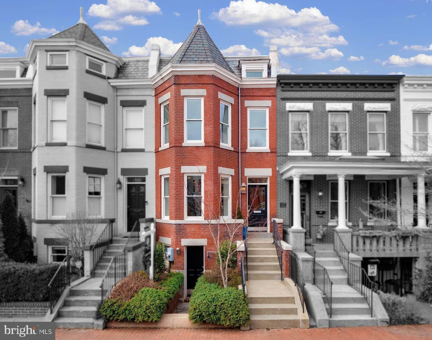 Single Family Homes for Sale at Capitol Hill, Washington, District Of Columbia, 20003 United States