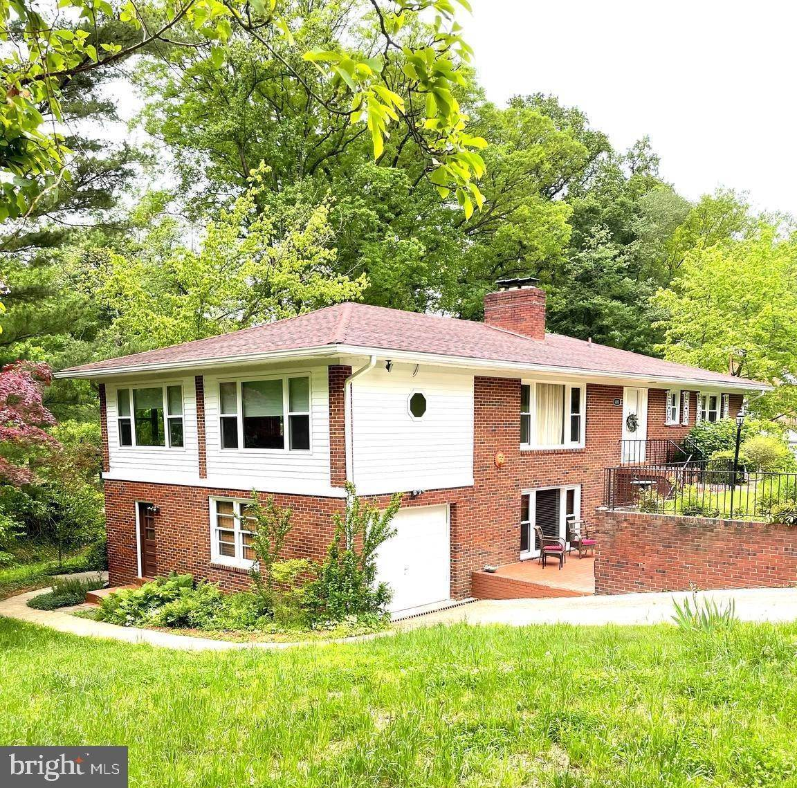 Single Family Homes por un Venta en Oxon Hill, Maryland, 20745 Estados Unidos