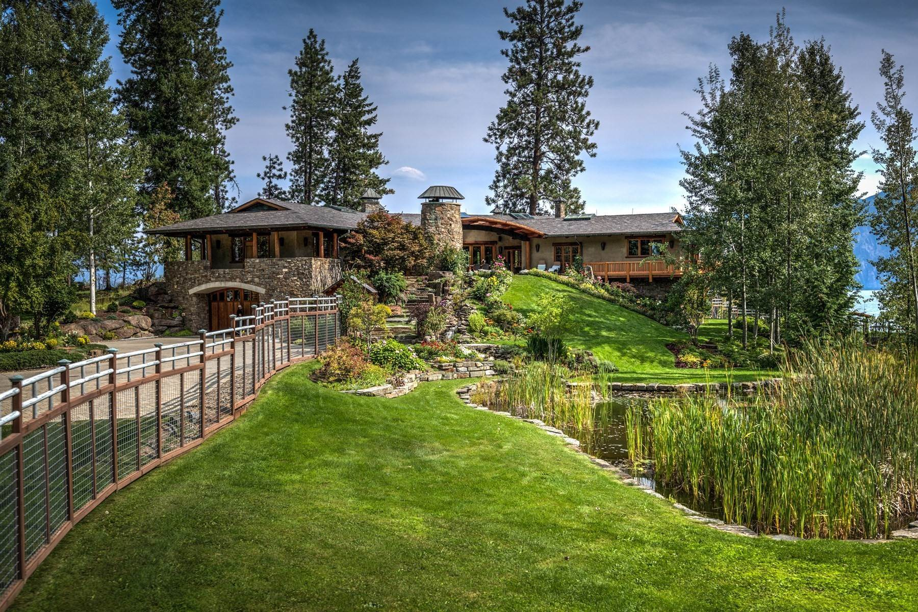 Single Family Homes for Sale at Loch Haven Estate 552 Loch Haven, Sagle, Idaho, 83860 United States