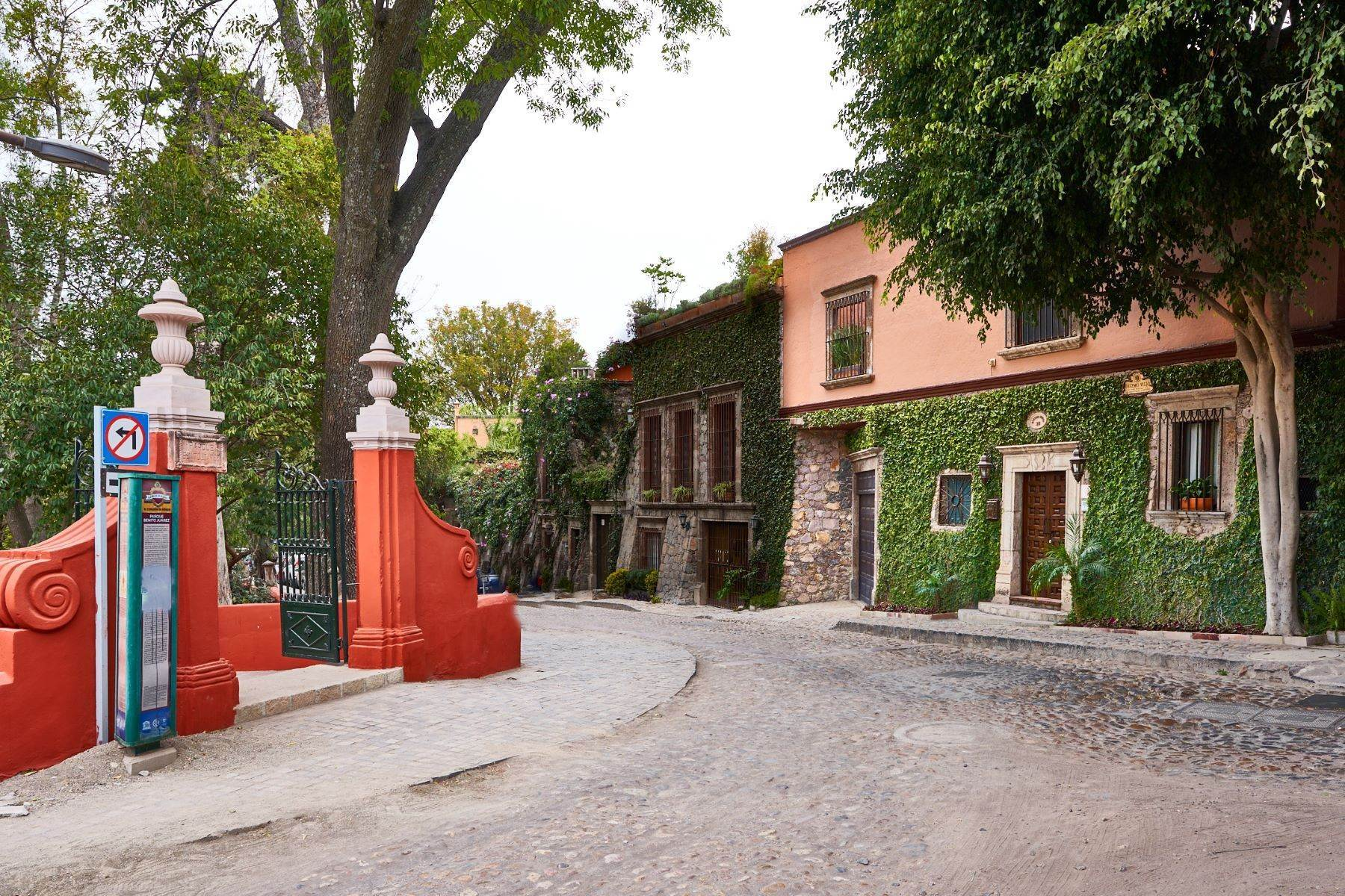 1. Single Family Homes at San Miguel De Allende, Guanajuato, 37700 Mexico