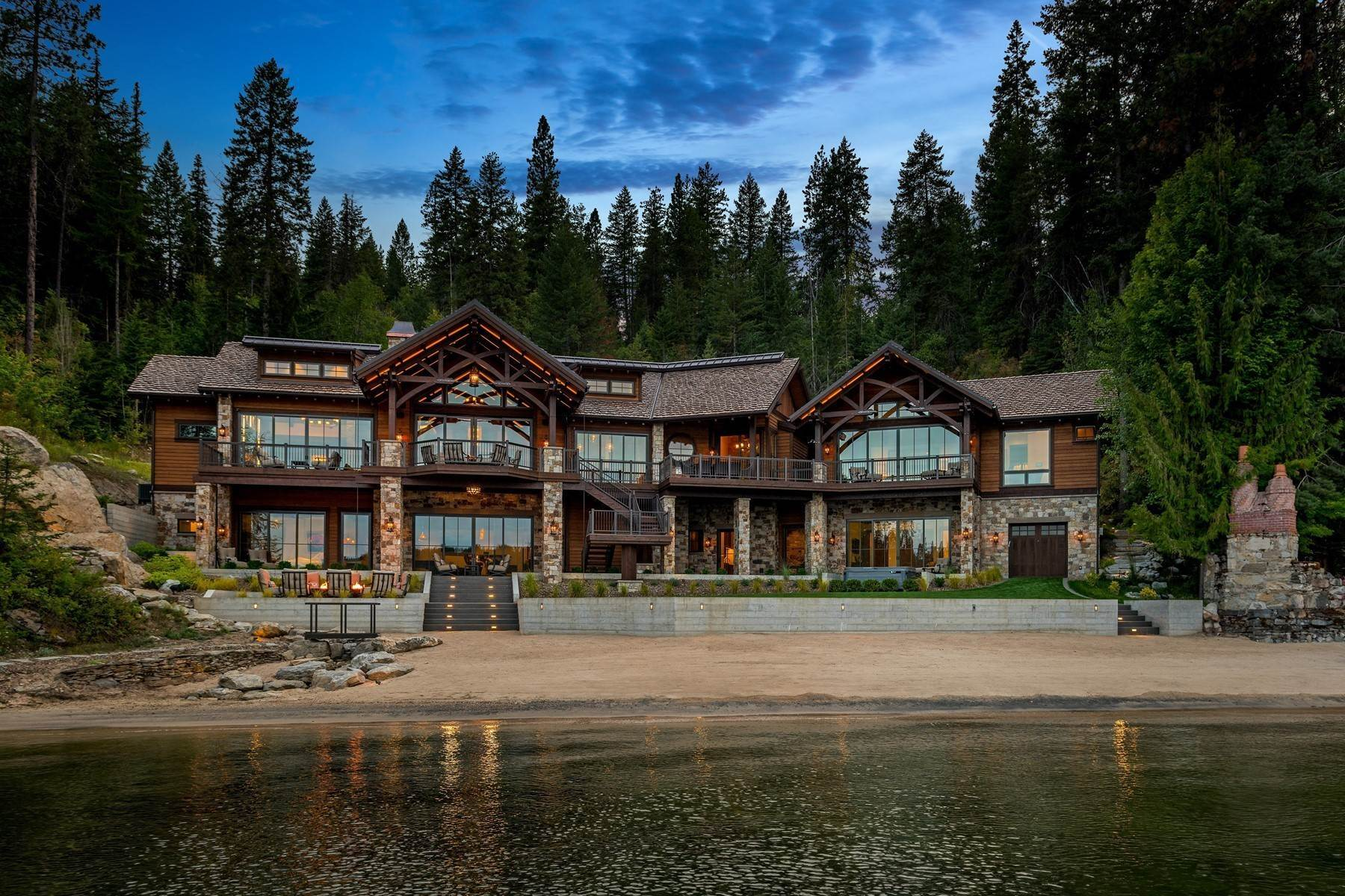 Single Family Homes for Sale at Deer Run Lodge on Lake Coeur d Alene 8240 S Deer Run Dr, Coeur D Alene, Idaho, 83814 United States