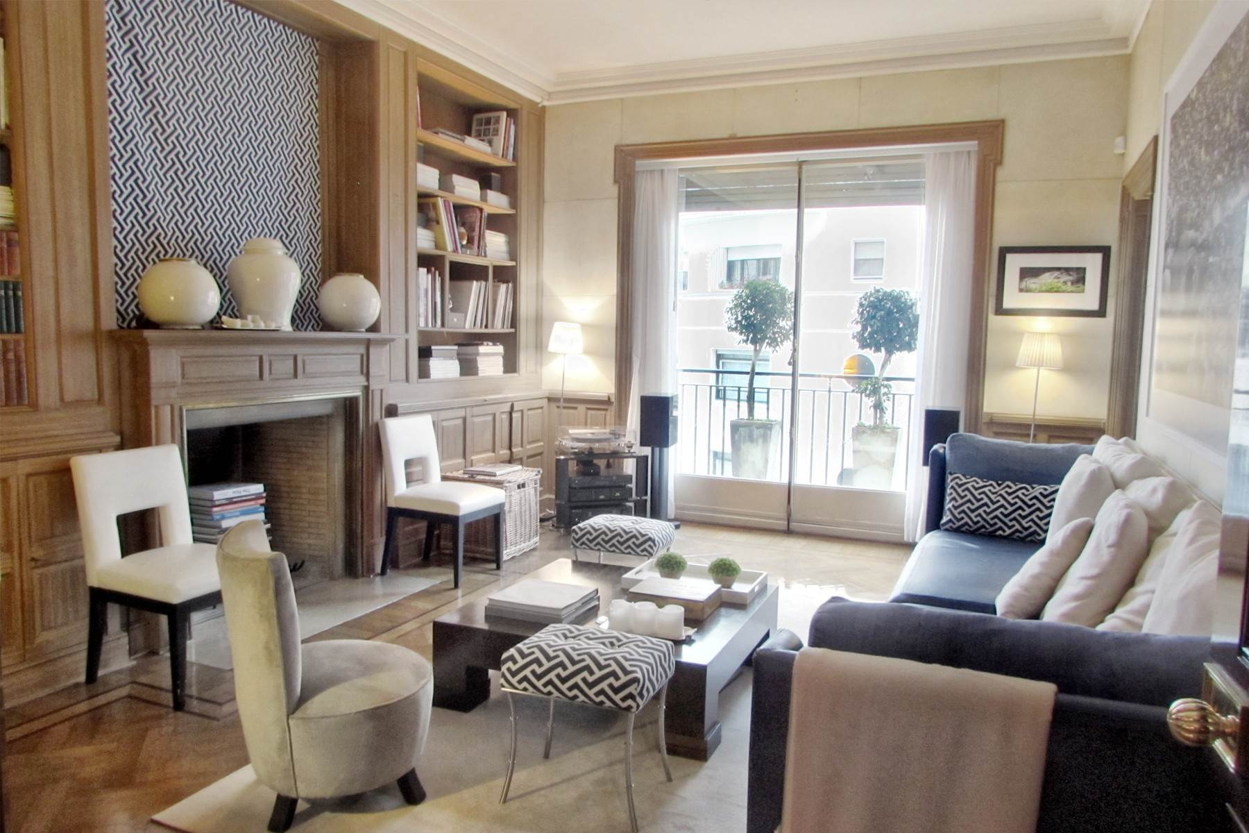 Apartments for Sale at Imposing 430 m2 apartment Avenida Alvear 1400, Buenos Aires, Buenos Aires, C1014AAP Argentina