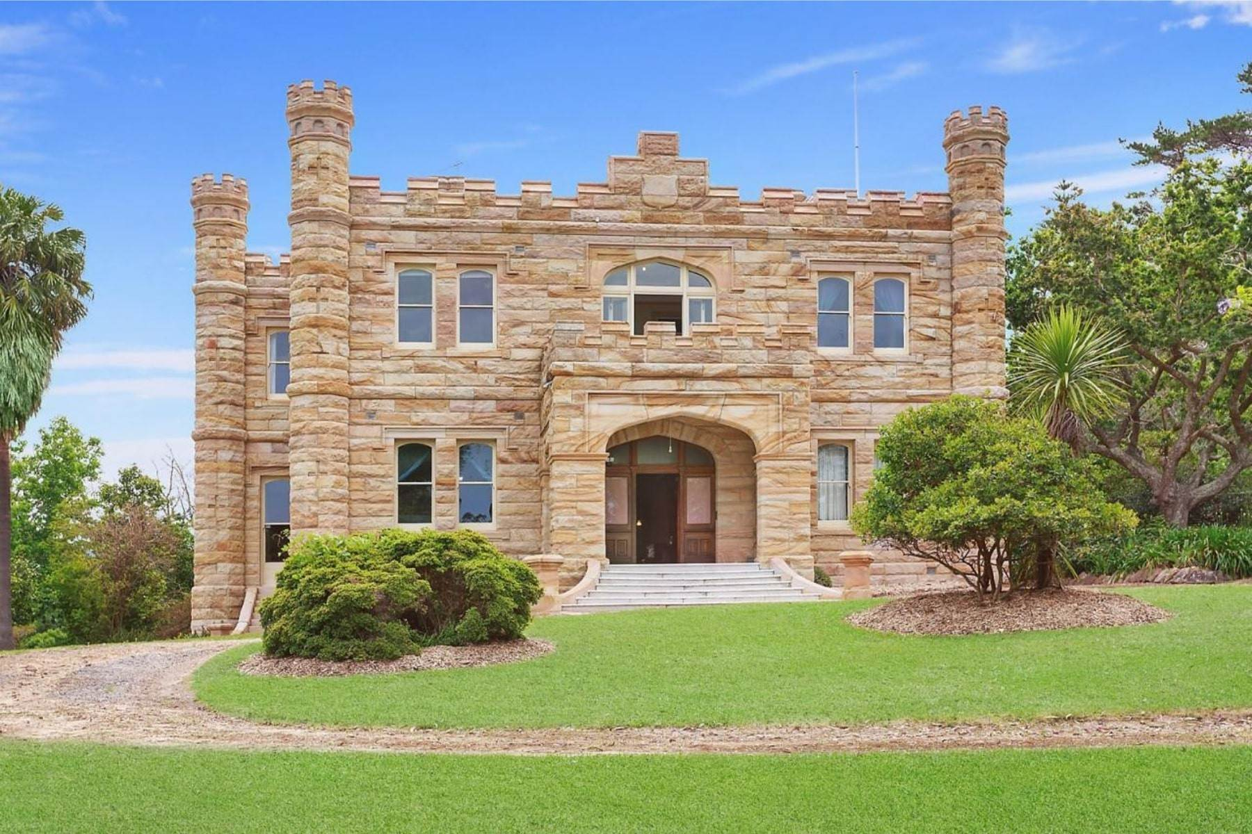 Single Family Homes per Vendita alle ore Innisfallen Castle 14 Cherry Place, Sydney, New South Wales, 2069 Australia