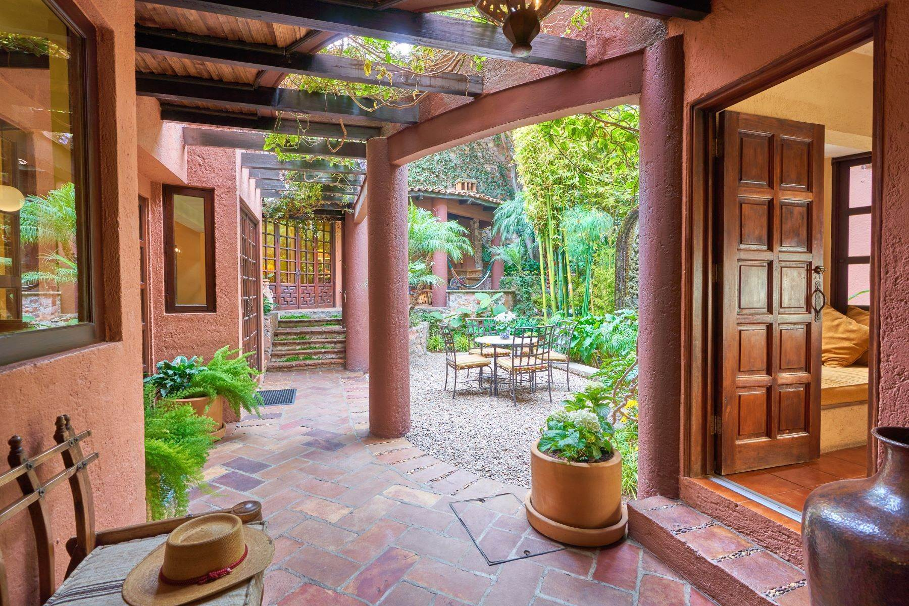 4. Single Family Homes at San Miguel De Allende, Guanajuato, 37700 Mexico