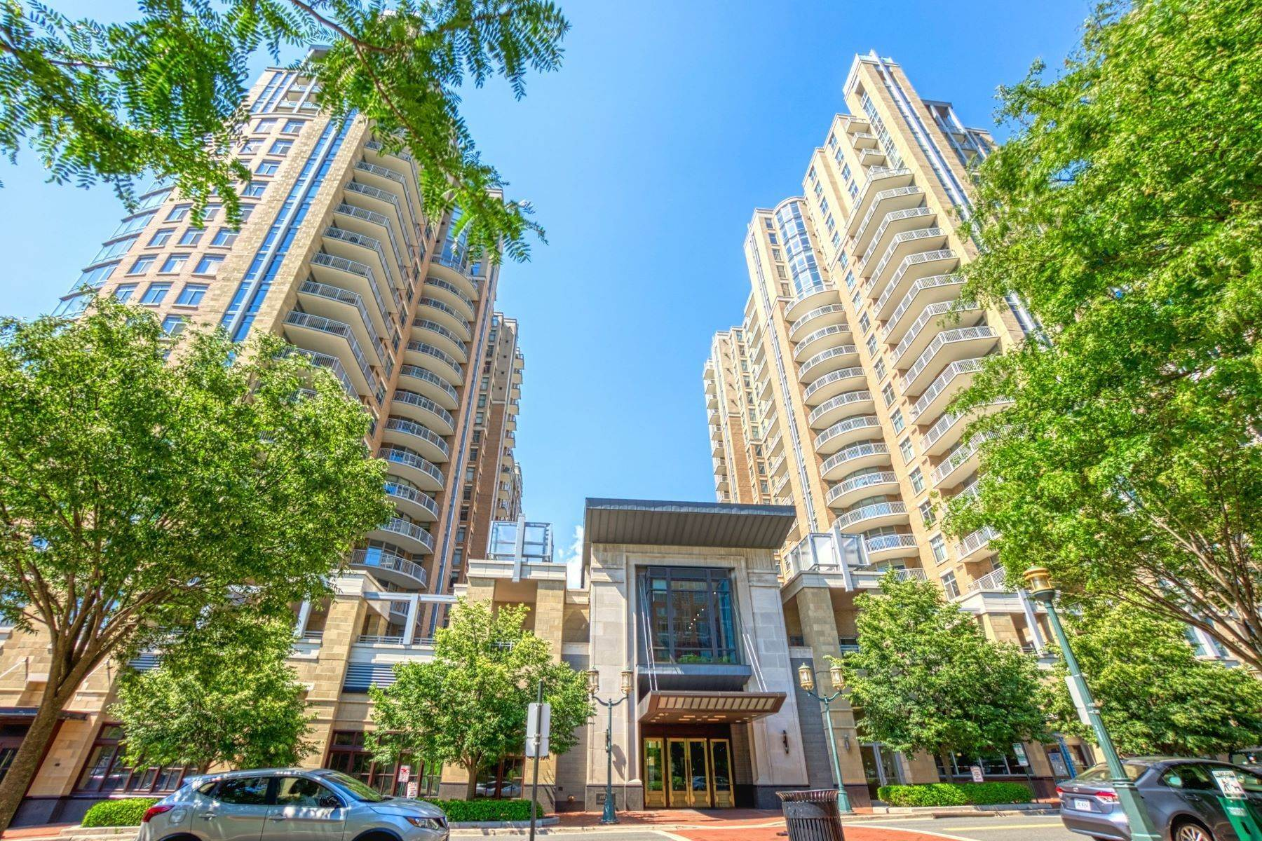 Condominiums for Sale at 11990 Market St, Unit 2102 11990 Market St Unit 2102, Reston, Virginia, 20190 United States