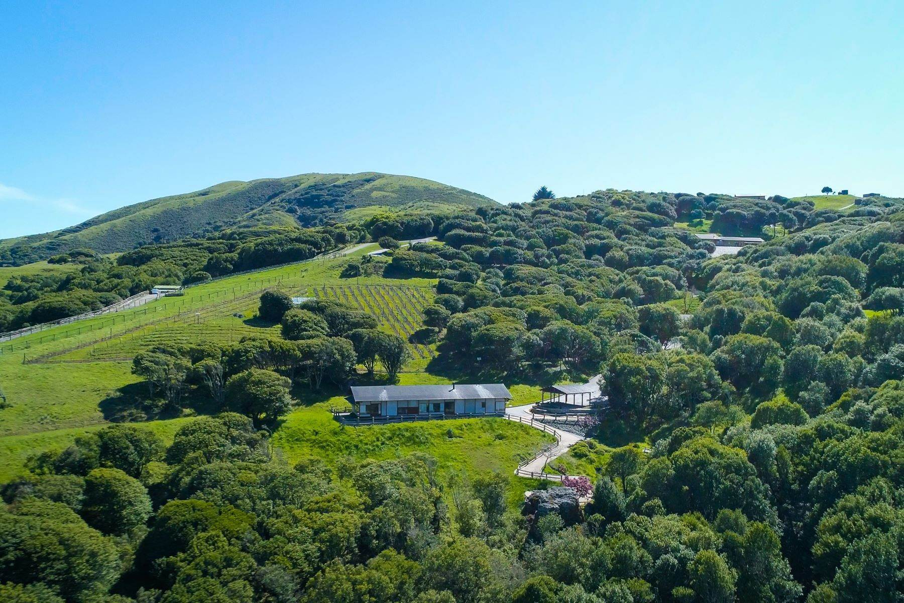 25. Single Family Homes à 333-345 Willow Road, Nicasio, Californie, 94946 États-Unis